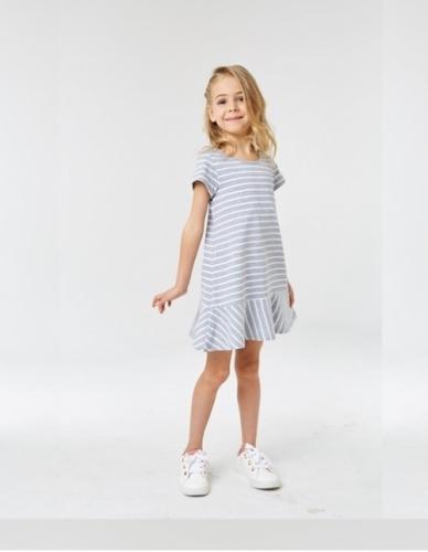 Платье для девочки р.110, серо-белое в полоску UMKA