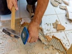 Демонтаж плитки напольной